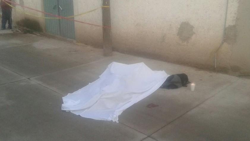 Hallan muerto sobre la vía pública en La Paz