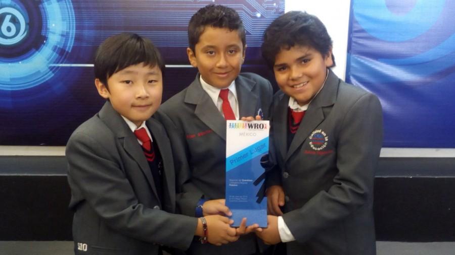 Alumnos destacados ganaron de concurso de robótica