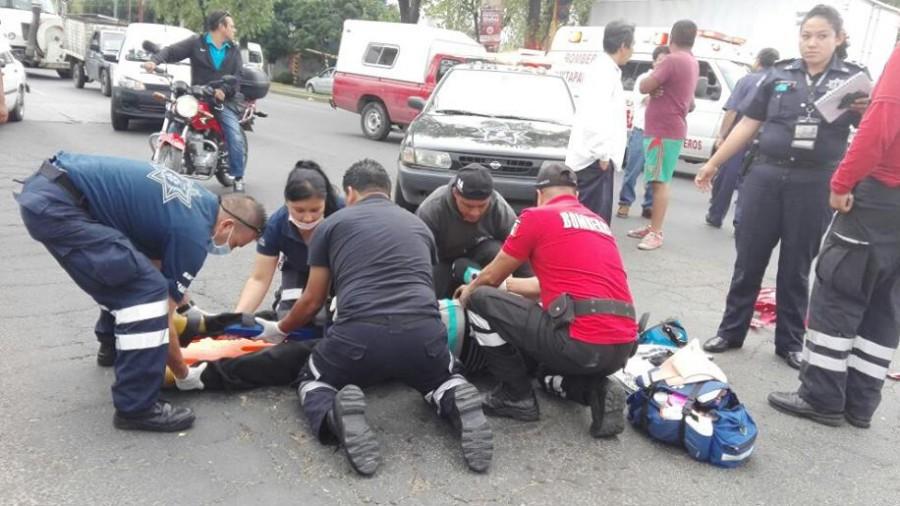 Se registra accidente frente a la Comercial Mexicana en avenida Cuauhtémoc