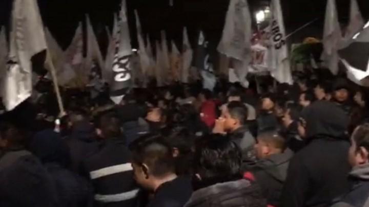 Trabajadores se manifestaron afuera del Palacio Nacional