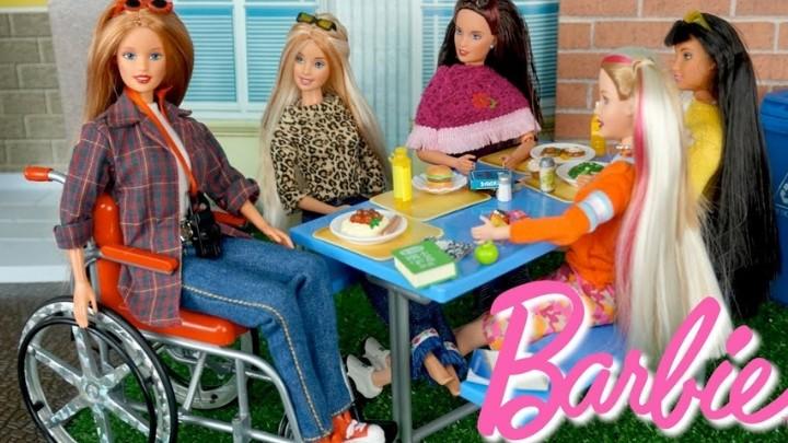 ¡La compañía Mattel lanza muñeca Barbie en silla de ruedas!