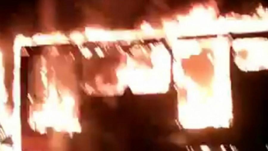 Por falla eléctrica se incendio Metrobús de la Línea 2