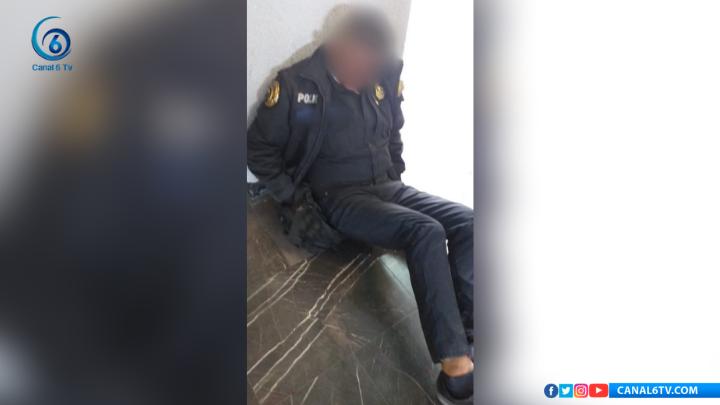Golpean brutalmente a policía que defendió a una mujer en Metro Consulado