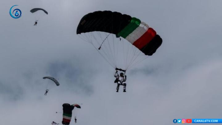 Semar reporta estable a paracaidista que cayó durante Desfile Militar 2019