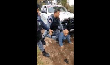 Video: policías someten violentamente a abuelito en Puebla