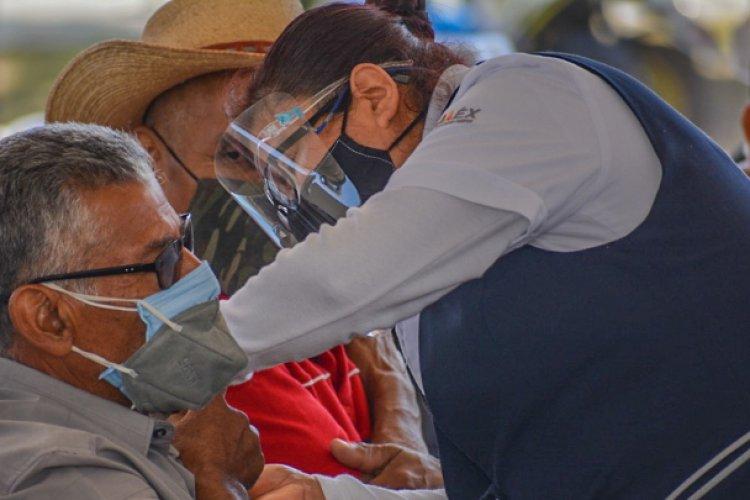 En Valle de Chalco más de 18 mil adultos mayores han sido vacunados