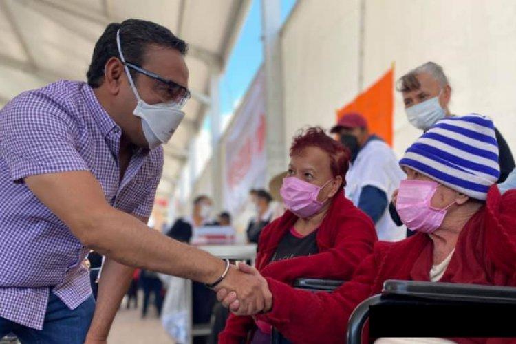 Más de 24 mil abuelitos fueron vacunados contra COVID-19 en Valle de Chalco