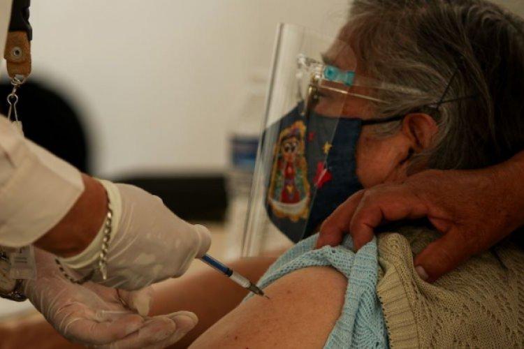 Suman más de un millón de adultos mayores vacunados en el Edomex: Del Mazo