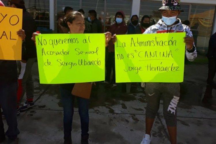 Protestan comerciantes de central de abastos de Toluca por abusos
