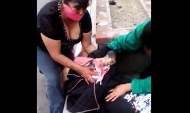 ¡Por negligencia! Mujer da a luz afuera del Hospital