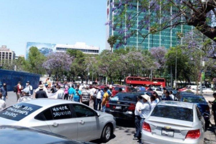 Conductores de plataforma se concentran en Ángel de la Independencia