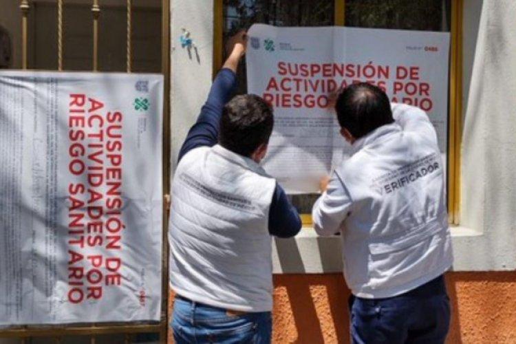 Clausuran clínica en la CDMX que vendía vacunas falsas contra Covid-19