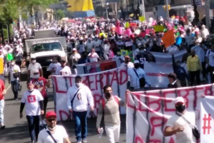 Realizan megamarcha en apoyo a Diana Sánchez Barrios