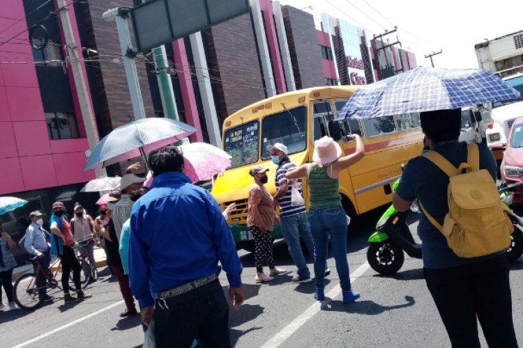 Pobladores realizan bloqueo en Ecatepec demandan agua