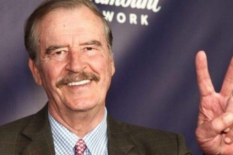 ¡No es broma! Vicente Fox promueve fiesta con chicas en bikini