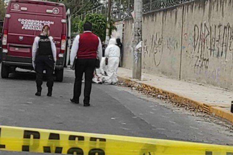 Motociclista choca contra poste y fallece en Nezahualcóyotl