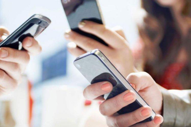 Tribunal revoca suspensiones de juez contra padrón de telefonía móvil