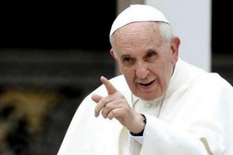 Papa Francisco y obispos van contra AMLO por ola de violencia
