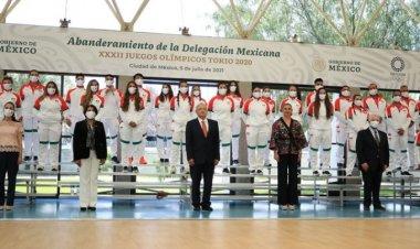 Abanderan a deportistas que representarán a México en Tokio
