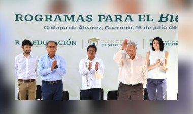 AMLO arriba a Chilapa, Guerrero, en medio de reclamos y protestas