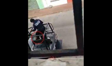 Video: policías agreden brutalmente a mujer detenida en Tabasco