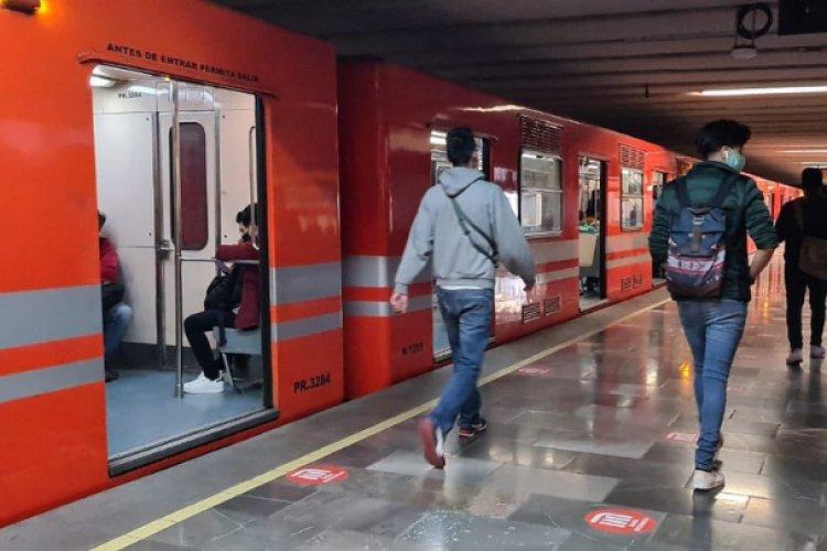 Reactivan servicio en Línea 6 del metro tras enganchamiento de tren con vías