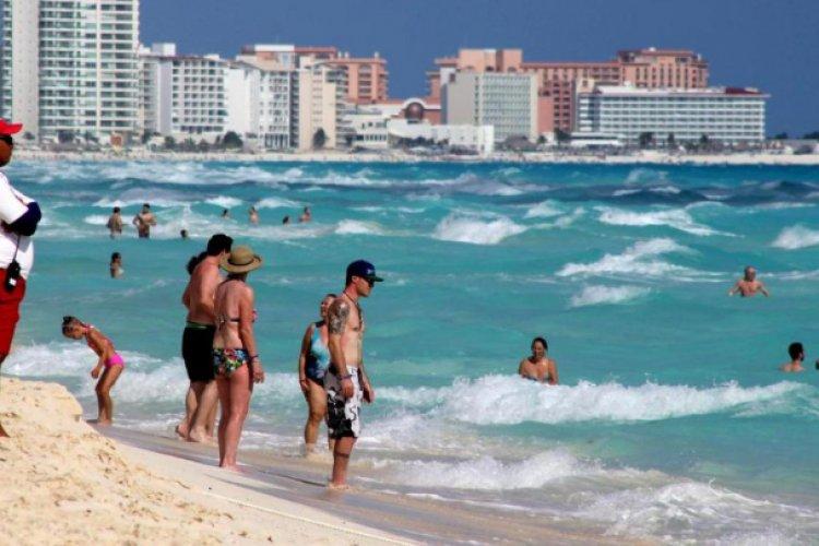 Pese a tercera ola de Covid, prevén alza de 178% en arribo de turistas