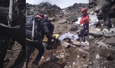 Rescatan a dos excursionistas heridos tras caída en el Iztaccíhuatl