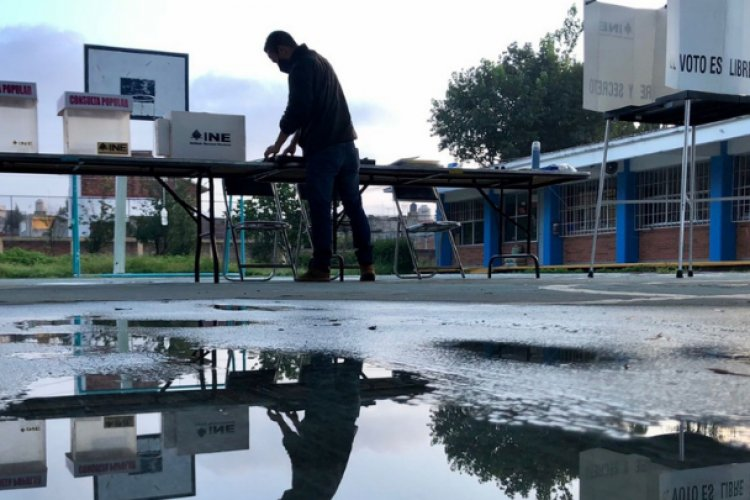 Morena culpa a INE de fracaso en consulta popular