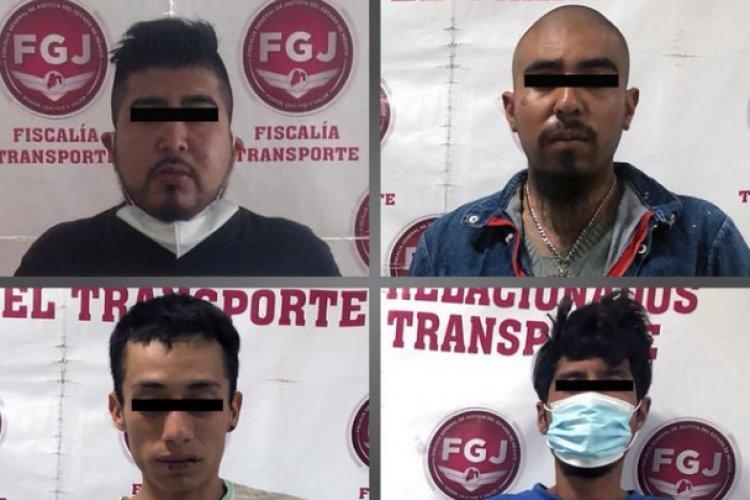 Detienen a cuatro sujetos acusados de secuestro y robo con violencia