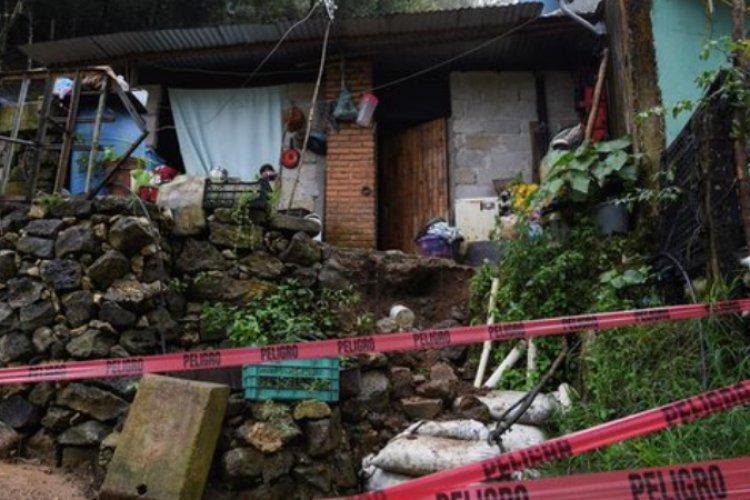 AMLO promete apoyo a damnificados por huracán Grace en Veracruz