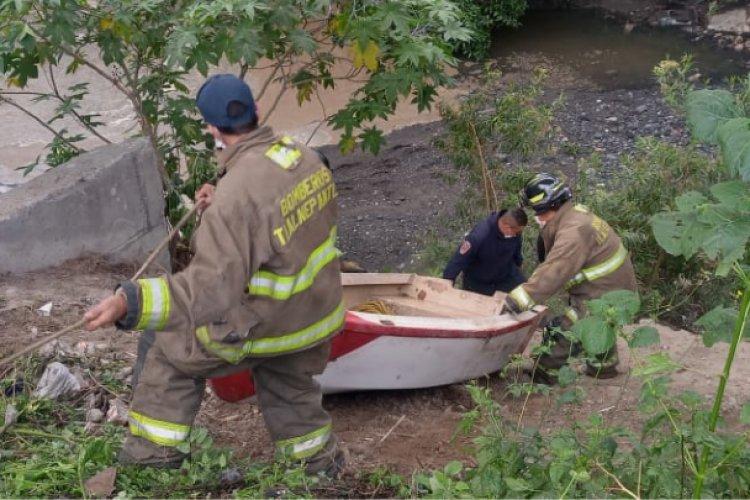 Se forman ríos tras tormenta en Tlalnepantla; 6 personas fueron rescatadas