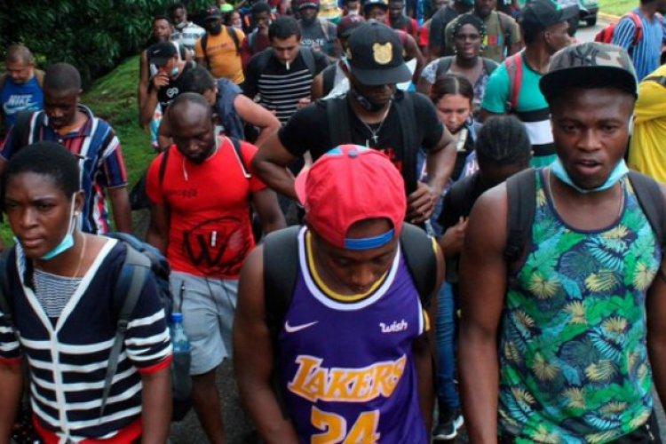 Migrantes haitianos varados en Tapachula protestan contra INM