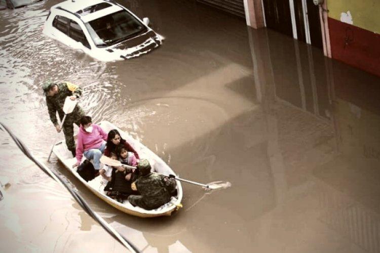 Dos muertos, personas atrapadas y afectaciones dejan intensas lluvias en Ecatepec