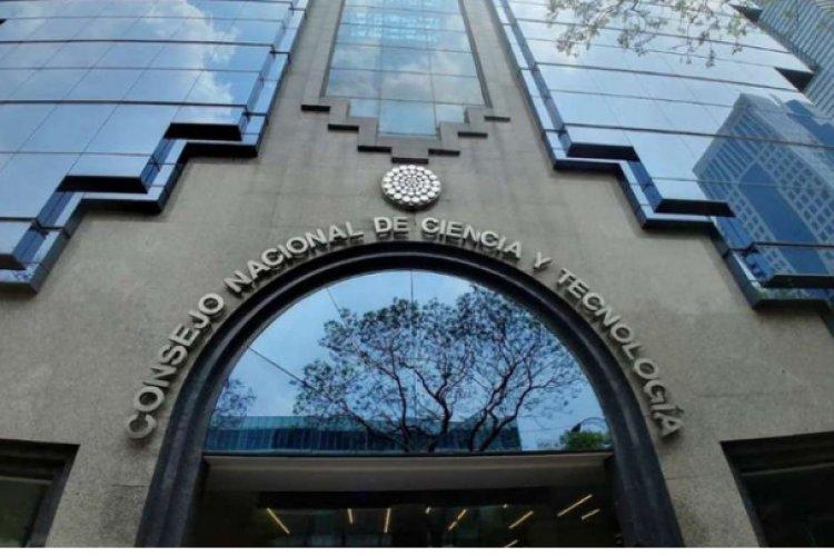 Juez rechaza denuncias contra 31 científicos