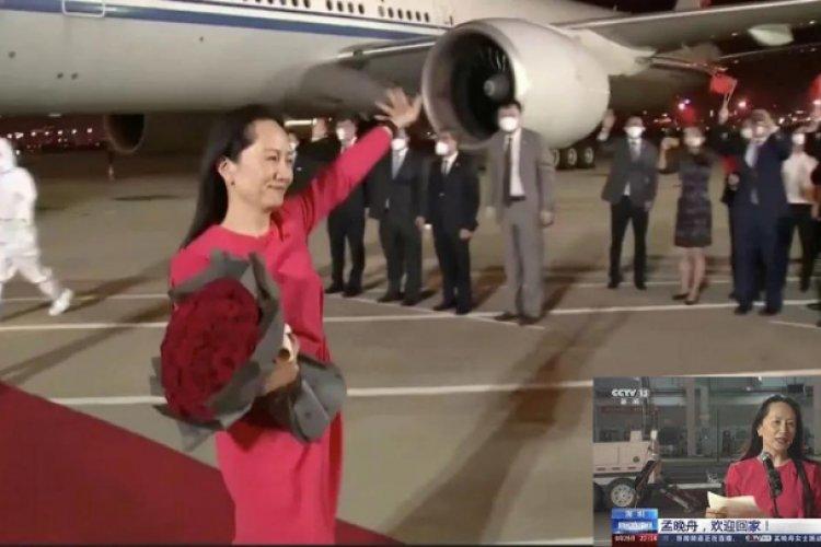 Directora de Huawei regresa a China después de ser detenida por Canadá