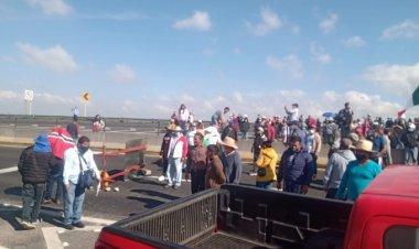 Comerciantes cierran la Toluca-Temoaya