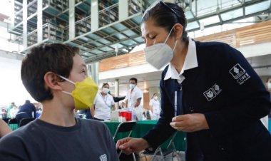 Inicia vacunación de menores con comorbilidades en CDMX
