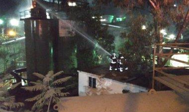 Sofocan incendio en fábrica de Coyoacán