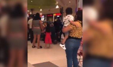 Familias se agarran a golpes por… una mesa