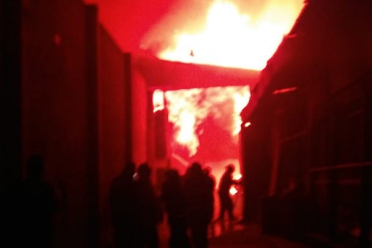 Se incendia fábrica en Chicoloapan