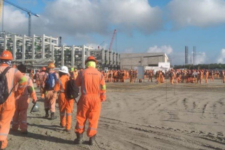 Se desata enfrentamiento en Refinería Dos Bocas