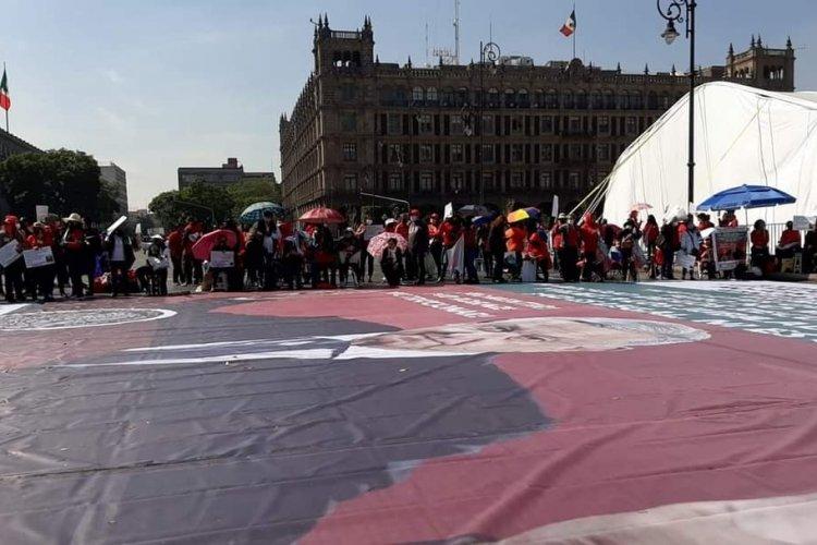Jubilados del IMSS protestaron en Palacio Nacional